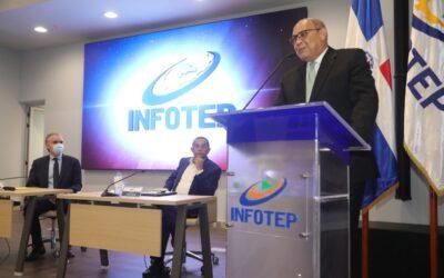 El presidente de la Comisión Presidencial de Apoyo al Desarrollo Provincial saluda juramentación del Director de INFOTEP